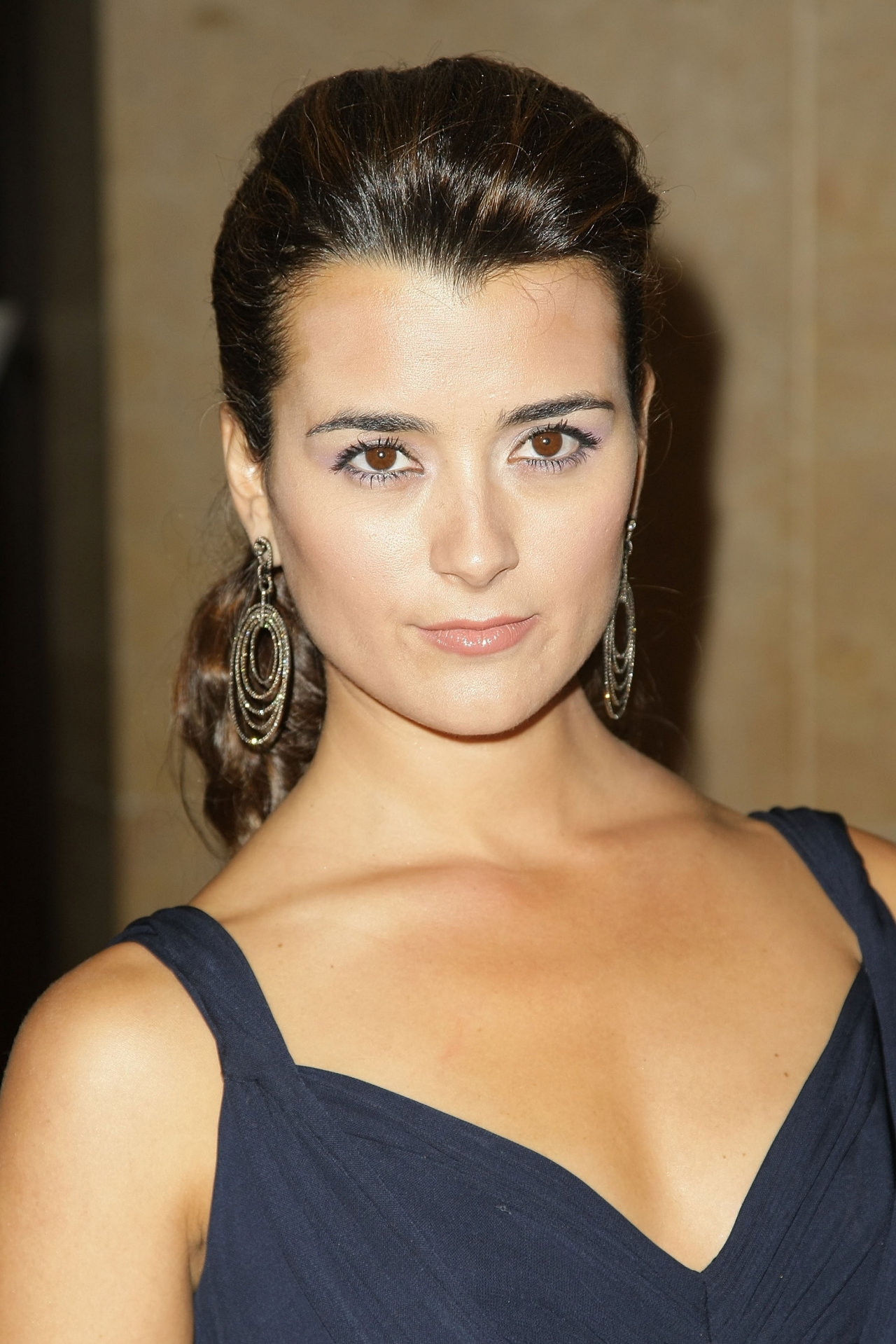 Model cote de pablo wallpapers 7194