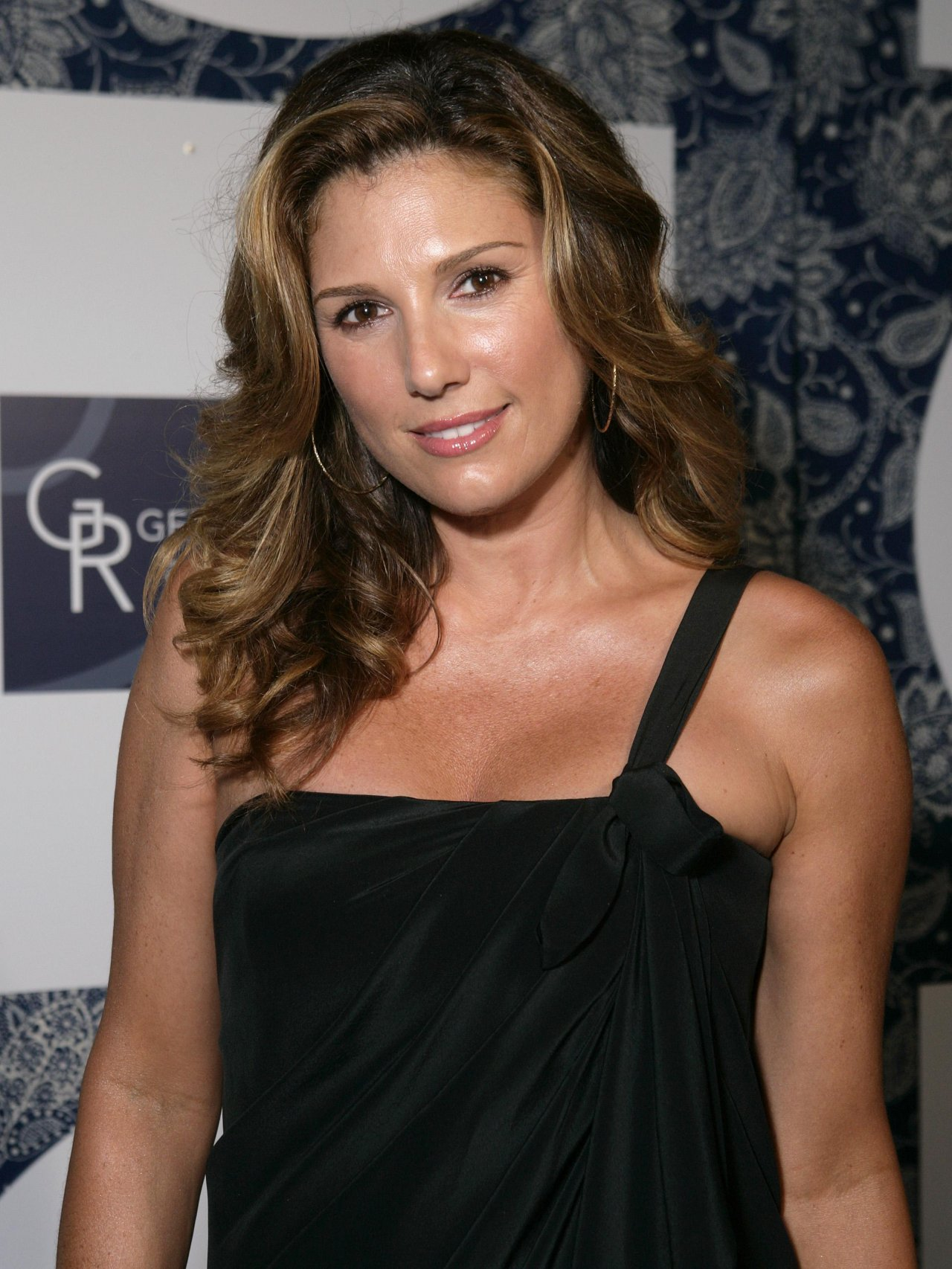 Model daisy fuentes wallpapers 7254 for Daisy fuentes wall mural